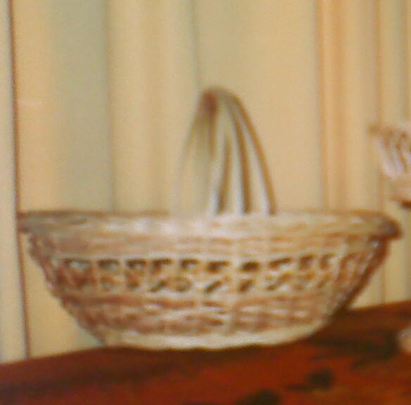 Корзина пасхальная с тройной плетёной ручкой