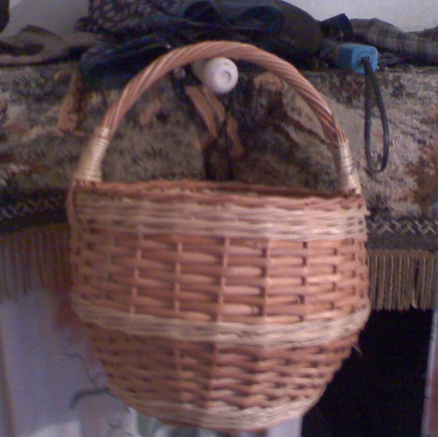 Плетеная корзина хозяйственная для грибов