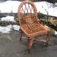 Плетеное детское кресло с овальной спинкой
