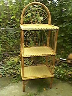 Столик этажерка с тремя полочками